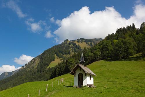 Kleine Kapelle im Trettachtal bei Oberstdorf, Allgäu, Bayern, Deutschland