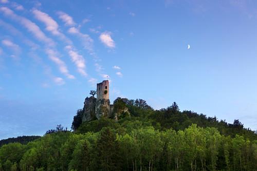 Burgruine Neideck über dem Tal der Wiesent, Wiesenttal, bei Streitberg, Fränkische Schweiz, Franken, Bayern, Deutschland