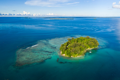 View of the island of Lissenung, New Ireland, Papua New Guinea