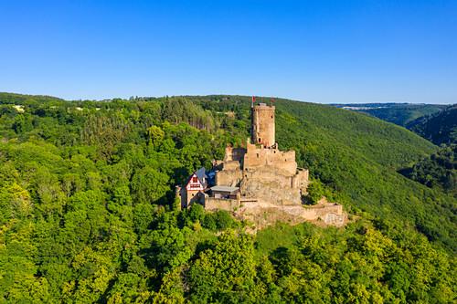 Luftaufnahme der Ehrenburg bei Brodenbach, Mosel, Rheinland-Pfalz, Deutschland
