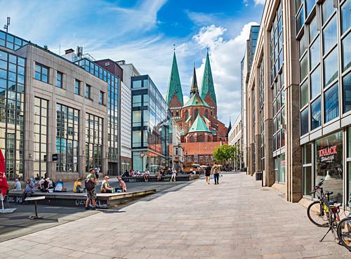 Schrangen mit Sicht auf Marienkirche in Lübeck, Schleswig-Holstein, Deutschland