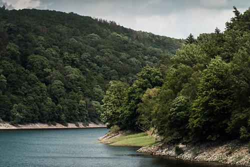 Mündung Banfer Bach und Eder an der Hünselburg, Nationalpark Kellerwald-Edersee, Hessen, Deutschland, Europa