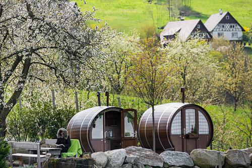schlafen im Weinfass, Sasbachwalden … – Bild kaufen – 71092048 ...