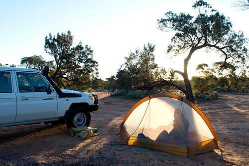 Wildes Zelten am Goog's Lake, Goog's Track, Südaustralien, Australien