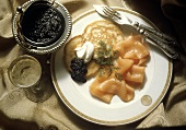 Blini s ikroi (smoked salmon with blini and caviare, Russia)