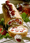 Sponge roll with strawberries & cream