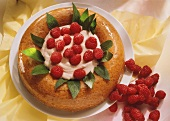 Savarin with raspberry cream