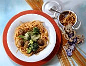 Spaghetti with Meatballs and Broccoli Cream Sauce