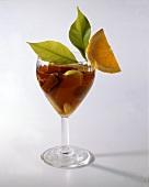 Red wine punch with apples and figs