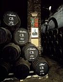 Fässer im Weinkeller, Bodega La Monumental, Montilla, Spanien