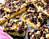 Crumble cake with chocolate and butter crumble