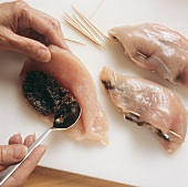 Stuffing chicken fillets with plum pulp