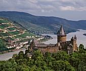 Burg Stahleck opposite the wine town Lorch in Rheingau Burg