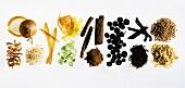 Verschiedene Gewürze & Aromen zum Kochen & Backen