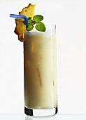 Pina Colada - karibisches Mixgetränk mit weißem Rum
