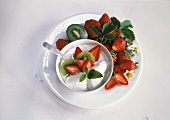 Yoghurt with strawberries and kiwi fruit