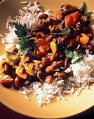 Mince and vegetable chili on rice