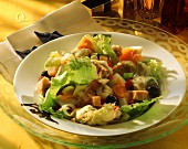Batavia & tuna salad with olives, eggs & croutons