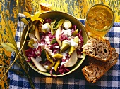Magdeburg red cabbage & leek salad with pears in dish