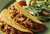 Tacos with spicy poultry mince filling
