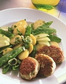Poultry frikadellas with potato & mangetout salad