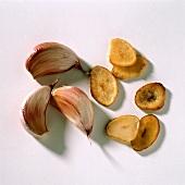Garlic cloves and roasted garlic slices