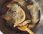 Ravioli tirolesi (Schlutzkrapfen mit Spinatfüllung)