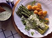 Green asparagus with Frankfurt green sauce & potatoes