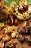 Sweet chestnuts, with & without shells and roasted