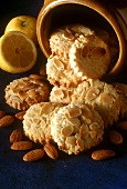 Almond and lemon cookies