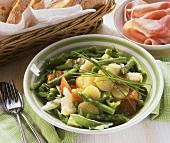Allegra insalata con asparagi (vegetable salad with asparagus)