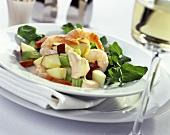 Gemüse-Garnelen-Salat mit Apfelstückchen
