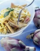 Pasta e carciofi (Bandnudeln mit Artischocken, Italien)