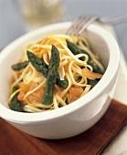 Tagliolini al salmone (Ribbon pasta with salmon & asparagus)