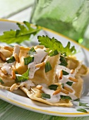 Ravioli al sughetto bianco (Ravioli with herb cheese sauce)