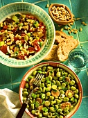 Caponata & Fave e salsiccia (Mariniertes Gemüse & Eintopf)
