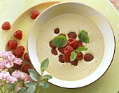 Zabaglione (wine mousse) with raspberries