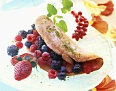 Sponge omelette with berries
