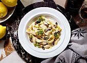 Tagliatelle con le spugnole (Tagliatelle with morel cream sauce)