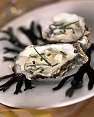 Steamed oysters with cream sauce