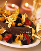 Chocolate & amaretto wreath with chocolate fruits