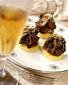 Tortini di polenta ai funghi (Polenta with chestnut mushrooms)