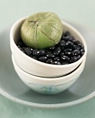 Black beans and green tomato in bowl