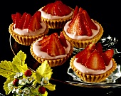 Strawberry tartlet with strawberry quark