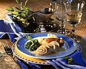 Veal roulade with garlic stuffing, with noodles & spinach
