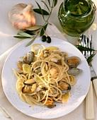 Spaghetti alla veneziana (Spaghetti with Vermouth sauce)