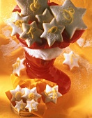 Lemon stars in boot and bowl