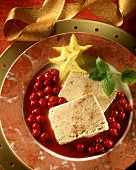 Gingerbread parfait with cranberry sauce