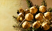 Gina's Bethmännchen (marzipan balls)