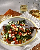 Spinach and tomato salad with gorgonzola